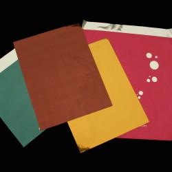 Diverses pochettes métallisées, imprimées en mat ou en brillant