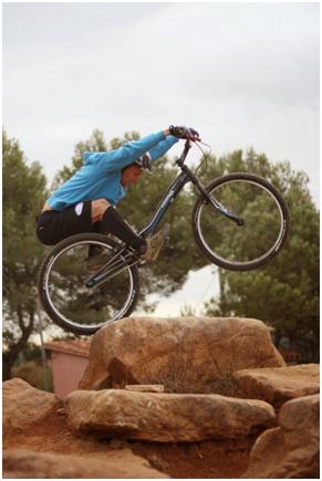 Guillaume Dunand en compétition vélo Trial